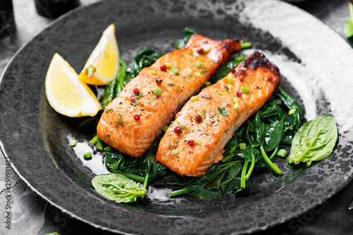Canvas Print Salmon fillet with spinach .