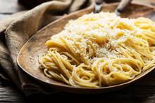Traditional Iatlian Spaghetti With Cheese