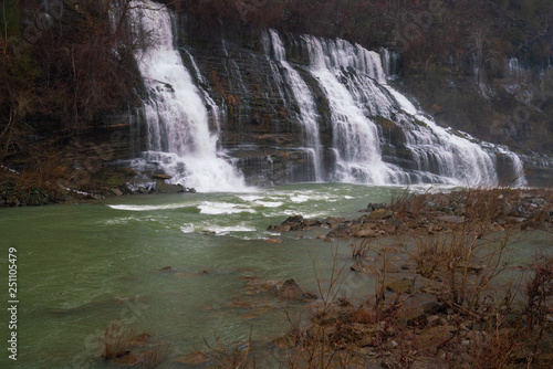 Photo  rock island tennesee waterfall