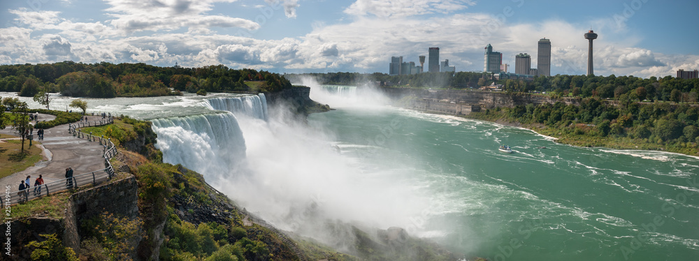 Fototapety, obrazy: Very large Niagara Falls panoramic view
