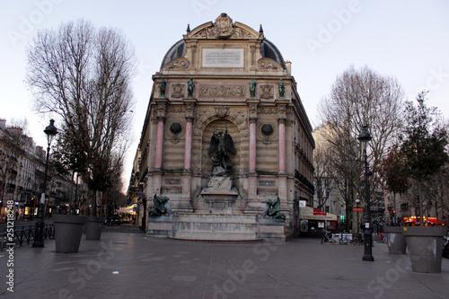 Cuadros en Lienzo Paris - Fontaine Saint-Michel