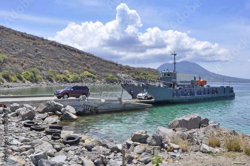 Fotografía  Car Leaving Ferry Boat in St. Kitts