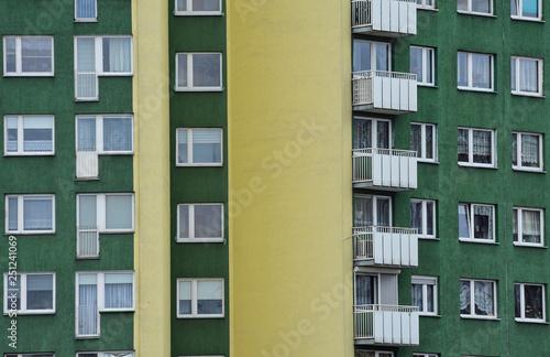 Blok z mieszkaniami - fototapety na wymiar