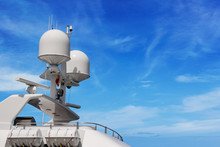 Yacht With Radar And Communication Tower - Superstructure
