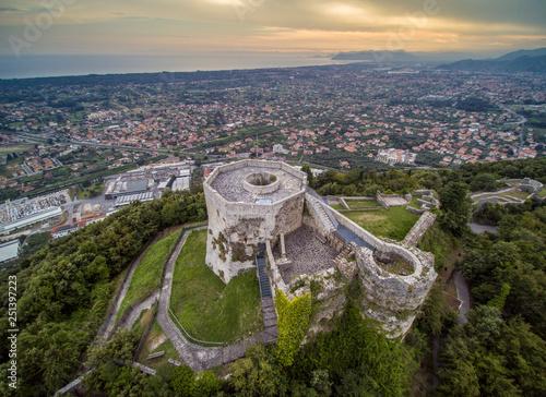 Foto  Castello Aghinolfi, Montignoso, MAssa
