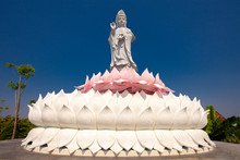 Guanyin Standing On The Lotus ...