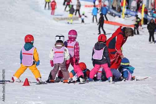 Fotomural Cours de ski enfants-4452