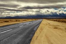 Long Mojave Desert Empty Road ...