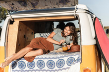 Pretty Woman On A Road Trip Wi...