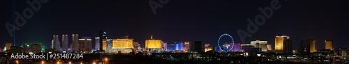 Papiers peints Las Vegas Ultrawide Las Vegas City Lights Skyline Panoramic Panorama of the strip casinos and hotels