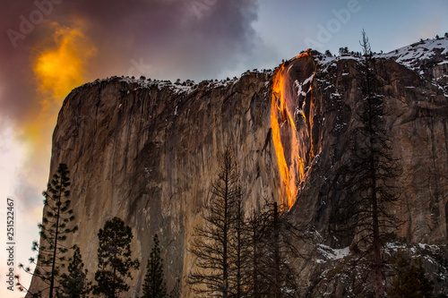 Photo  fire falls 2019