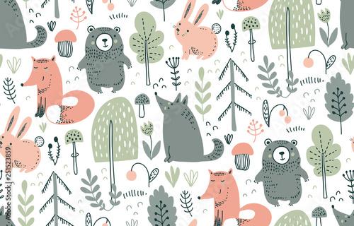 Wektor wzór z ręcznie rysowane dzikich zwierząt leśnych,