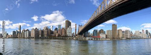 Fotografie, Tablou  Panoramic view of Midtown Manhattan skyline from Roosevelt Island, New York City