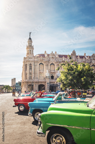 Cuban colorful vintage cars in front of the Gran Teatro - Havana, Cuba Fototapeta