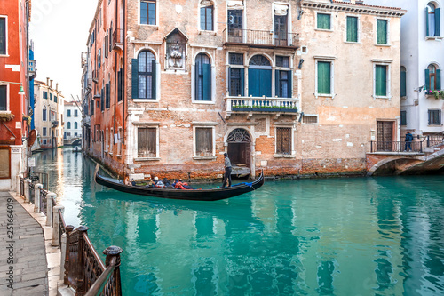 Fototapety, obrazy: Canal and historic buildings in Venice, Italy