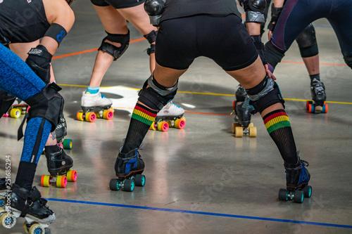 roller skates on a Roller Derby Fototapete