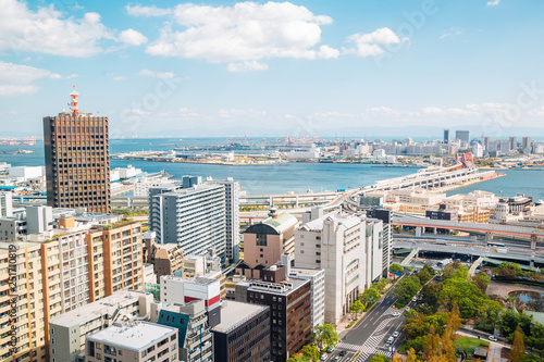 Photo Kobe harbor and cityscape from Kobe city hall observation deck in Japan