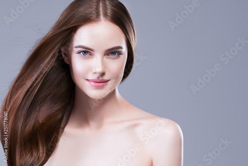 Fototapeta Beautiful hair woman long brunette hairsstyle healthy skin obraz