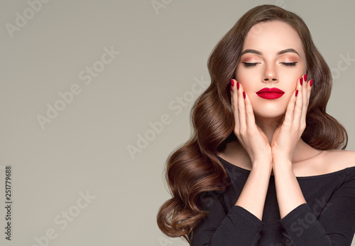 Valokuva  Beautiful hair woman long brunette hairsstyle healthy skin