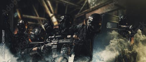 Pinturas sobre lienzo  special forces soldier police, swat team member