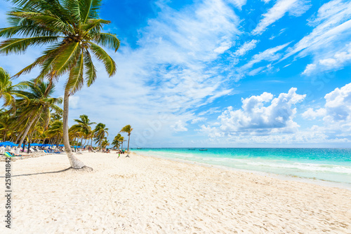 Fotografia  Paradise Beach (also known for Playa Paraiso) at sunny summer day - beautiful an