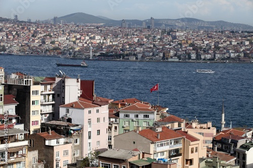 Fotografia  Bosphorus and residential houses in Istanbul, Turkey.