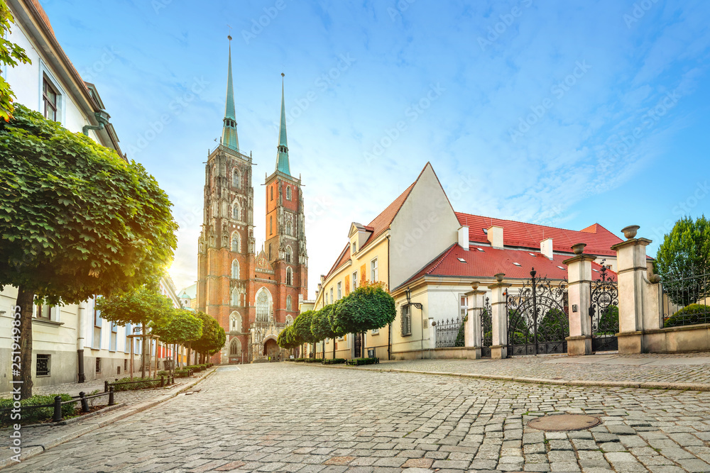 Fototapety, obrazy: Wroclaw, Poland. Panoramic view of Cathedral of St. John the Baptist on sunrise (HDR image)