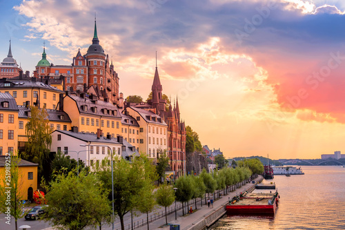 Fotobehang Stockholm Stockholm, Sweden. Scenic summer sunset view with colorful sky of the Old Town architecture in Sodermalm district.