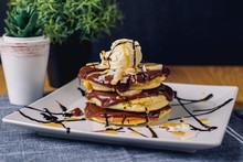 Pancake With Chocolate Ice-cre...