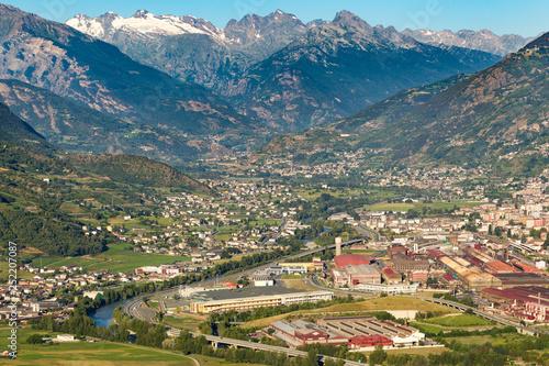 Vista aerea di Aosta, Valle d'Aosta, Italia Wallpaper Mural