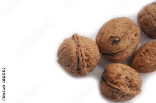 Fotografía  Walnuts isolated on white background