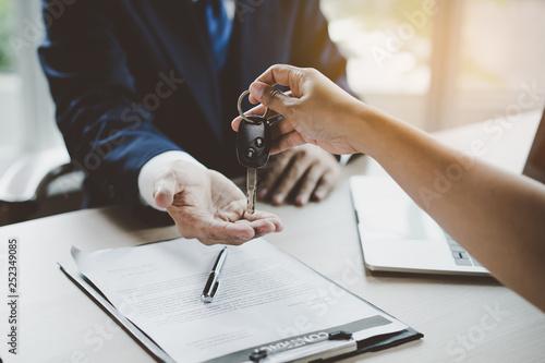 Fotografía  Car rental service concept