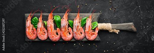 Large shrimp with lemon Canvas Print