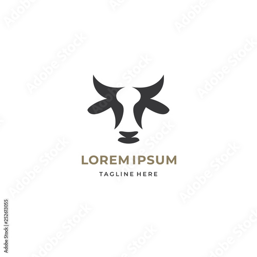 Canvas-taulu Abstract cow or bull logo design