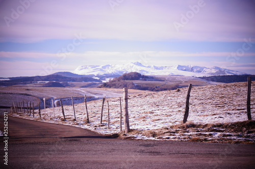 Papiers peints Lilas paysage neige