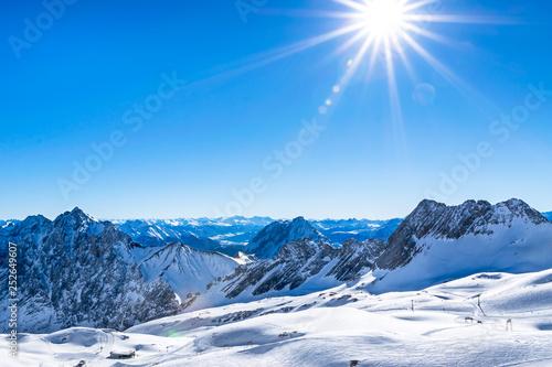 Zugspitze - Herrlicher Blick auf das sonnige Zugspitzblatt Canvas Print