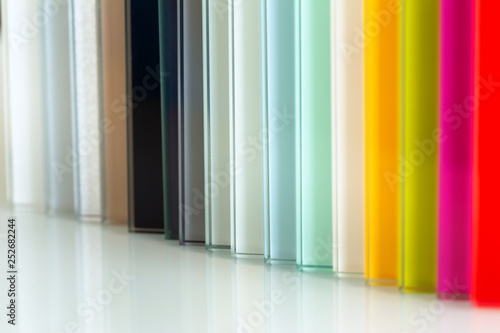 Colored glass material for interior finishing - fototapety na wymiar