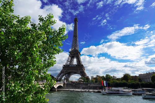 Poster Tour Eiffel eiffel tour over Seine river