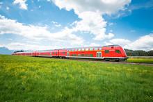 Rote Regionalbahn Im Oberallgäu