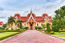 Vientiane Laos : Landmark Laos Temple Beautiful Of Buddhism In Asia
