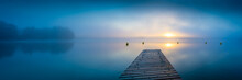 Sonnenaufgang Am See Mit Steg ...