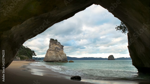 Poster de jardin Cathedral Cove afternoon view of cathedral cove in nz