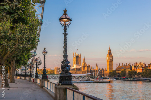 Fototapeta Famous Big Ben during sunset in London, England, UK