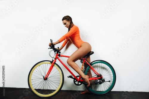 mountainbike sexy girl