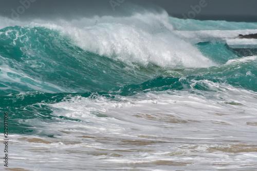 Stickers pour portes Eau Capo Verde ocean waves seen from the beach
