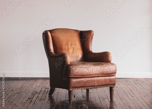 Fotografie, Obraz  Antique Leather Chair