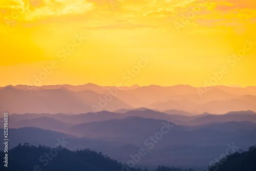 Papiers peints Las Vegas Mountains with evening light