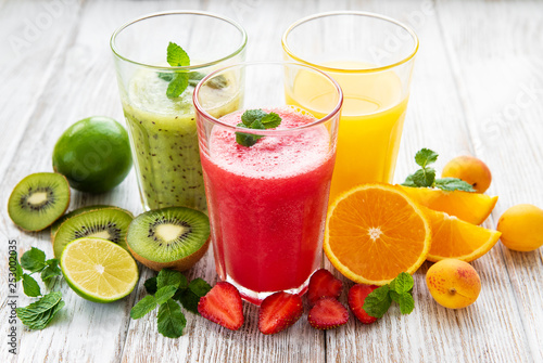 Photo sur Toile Jus, Sirop Healthy fruit smoothies