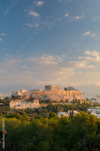 Printed kitchen splashbacks Athens Vertical view on the Acropolis in Athens at sunrise. Scenic travel background with dramatic clouds. Greece