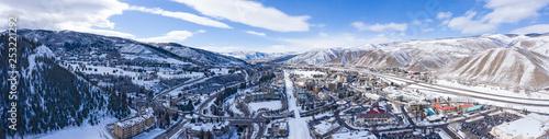 Photo Avon Colorado USA Winter Panoramic View Ski Resort Town Snowy Mountain Peaks